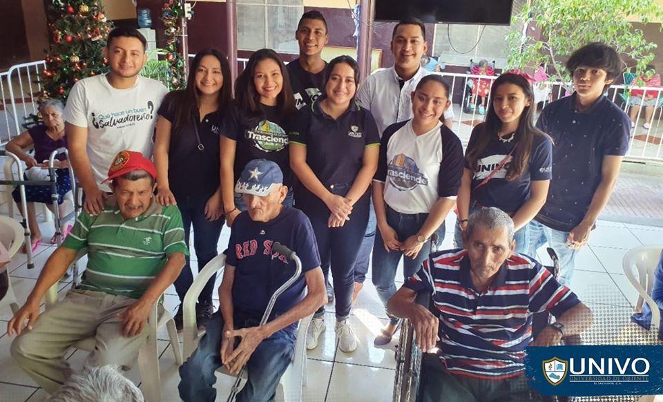 #UNIVO realizó mañana alegre en el Asilo San Antonio de San Miguel