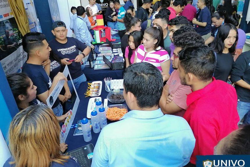 """Pon segundo día consecutivo, la Universidad de Oriente desarrolló la """"Expo UNIVO"""""""