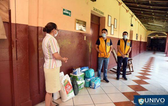 Club de Leones de San Miguel-Decano realizó la entrega de víveres al Asilo San Antonio de San Miguel.