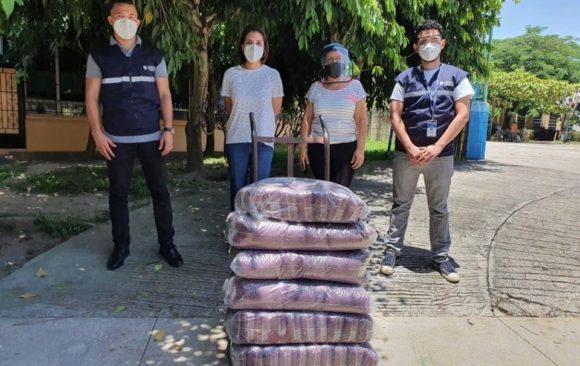 UNIVO ayuda a distribuir granos de frijol de seda
