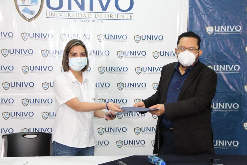 La #UNIVO firmó convenio de cooperación con  Asociación Caminamos  y Comité Paralímpico El Salvador