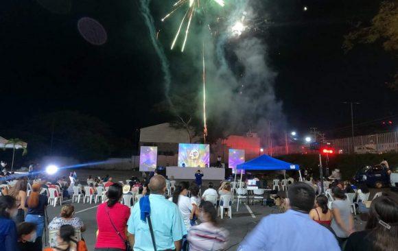 Festival de luces por 40 aniversario de la UNIVO